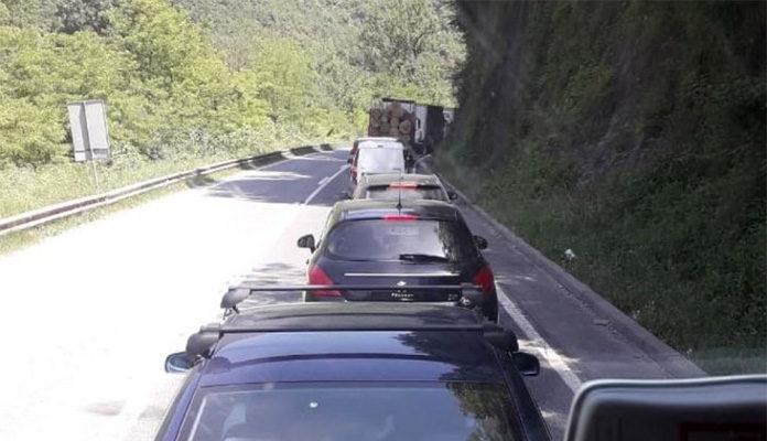 Saobraćajna nezgoda kod Nemile, obustavljen saobraćaj