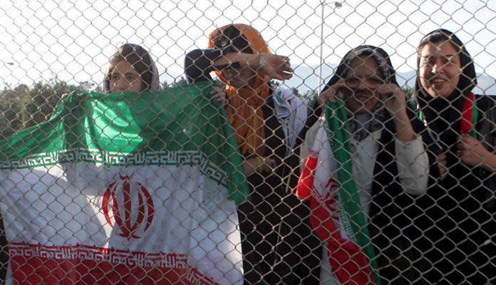 FIFA traži od Irana da dopusti dolazak žena na stadione