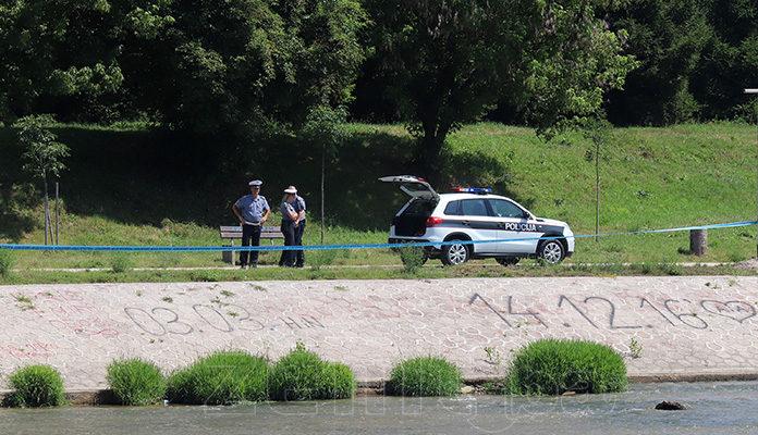 U rijeci Bosni u centru Zenice pronađeno tijelo muškarca