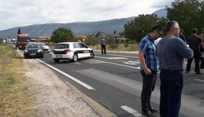Radnici Aluminija ponovo blokirali magistralni put M-17