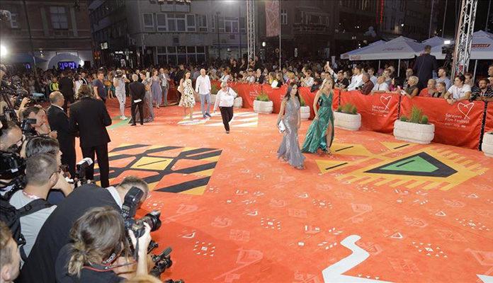 Crvenim tepihom u Sarajevu prošetale brojne poznate ličnosti