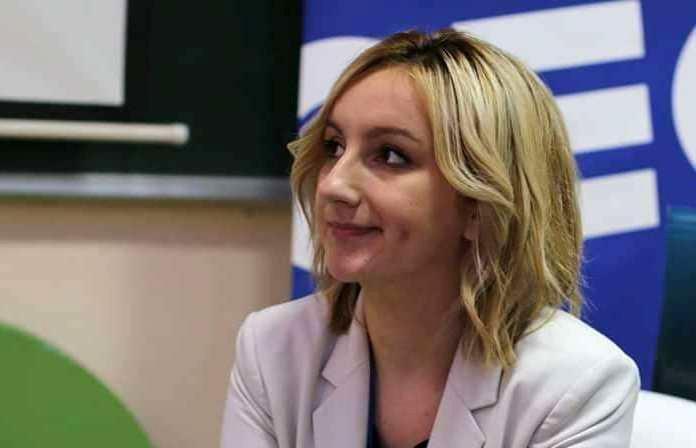 Zerina Muco-Čolaković: Samo znanjem možemo do promjena u društvu (VIDEO)
