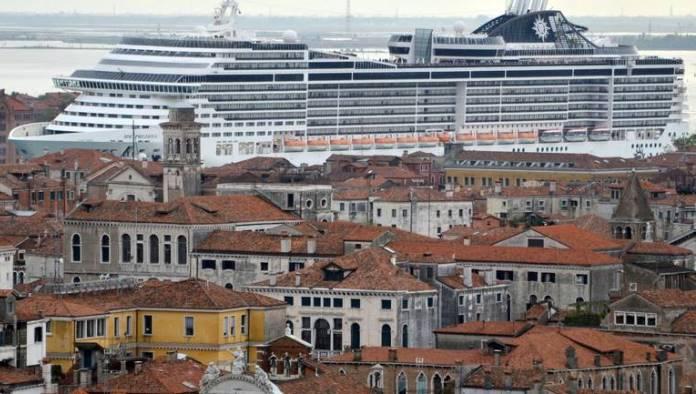 Venecija zabranjuje kruzerima ulazak u historijsko središte grada (VIDEO)
