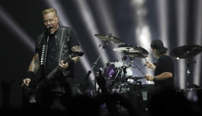 Metallica odgodila turneju, Hetfield ide na odvikavanje