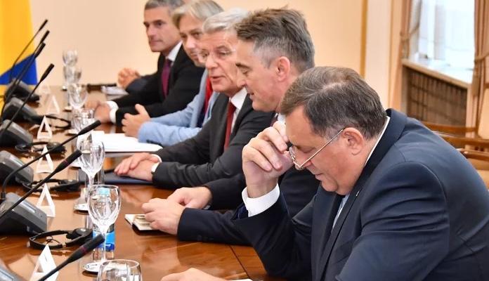 Ambasadori s Dodikom, Komšićem i Džaferovićem u Sarajevu