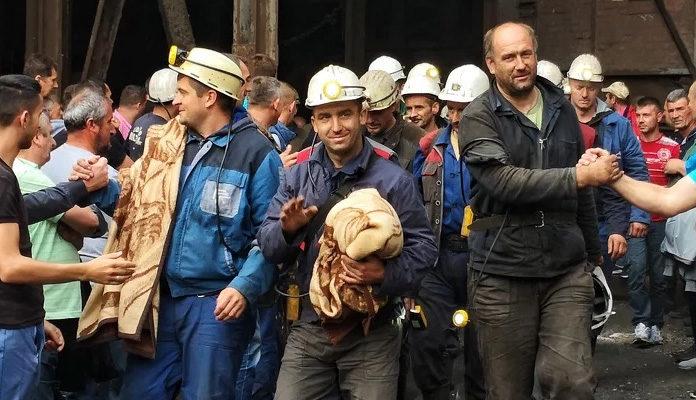 Zenički rudari u suzama nakon skoro dva dana izašli iz jame