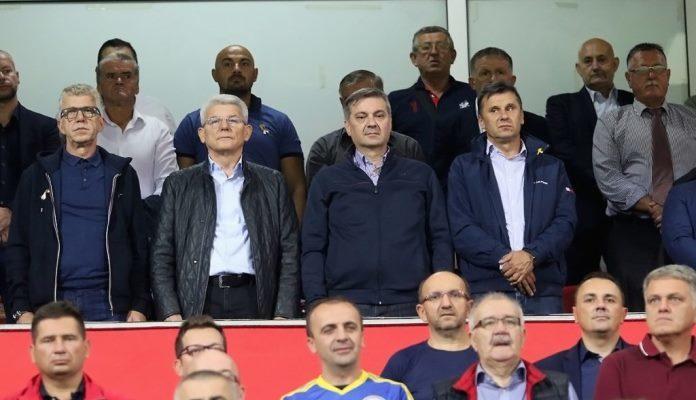 Na Bilinom polju: Džaferović, Zvizdić i Novalić bodrili Zmajeve protiv Lihtenštajna
