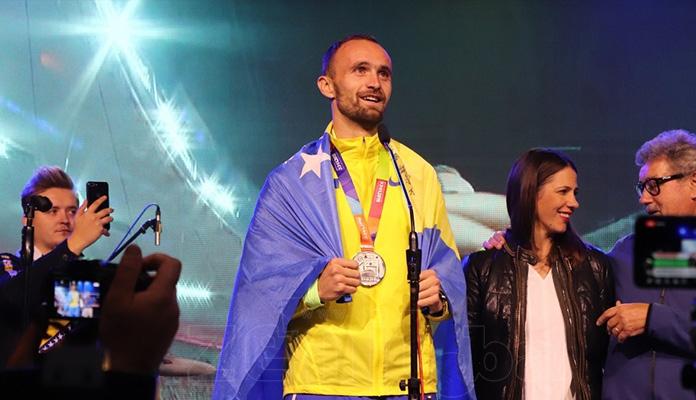 Amel Tuka, Larisa Cerić i Mesud Pezer dobili po 15.000 KM