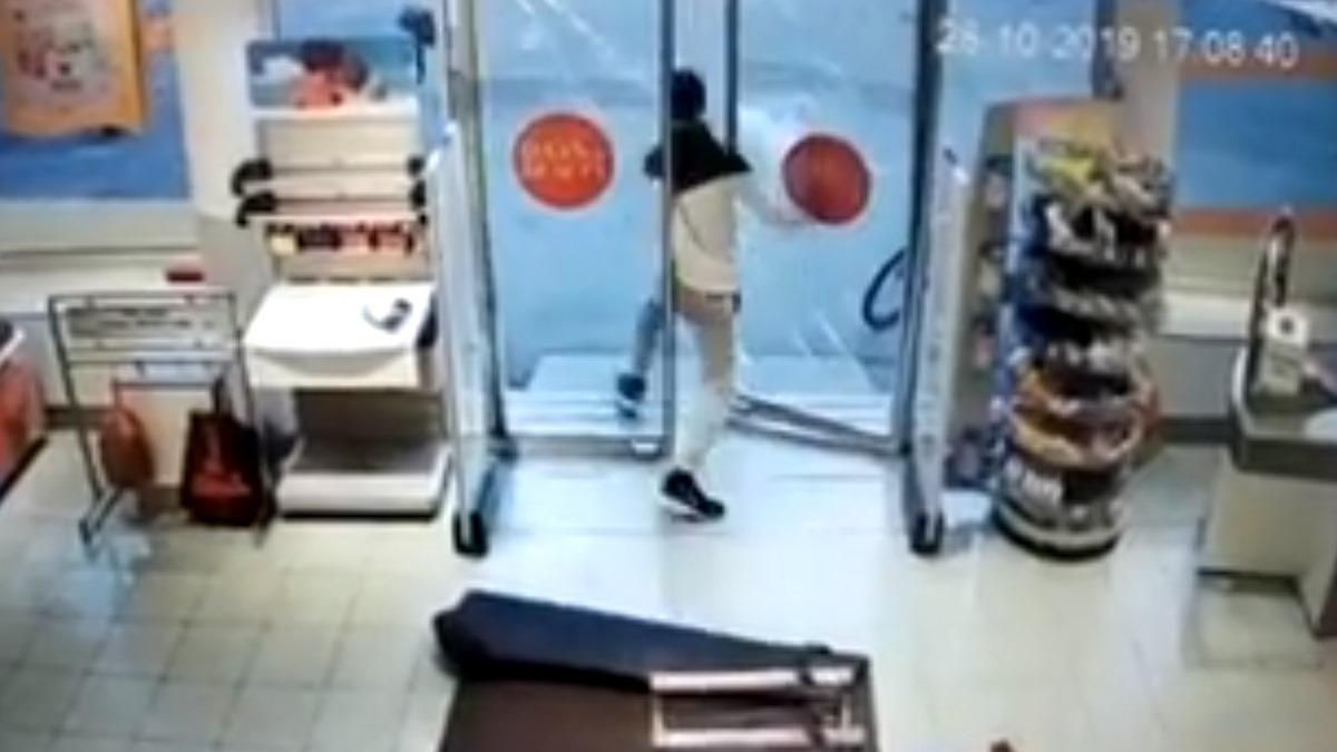 Krađa u prodavnici DM u centru Zenice (VIDEO)