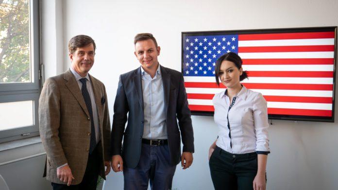 Ambasador SAD-a u BiH posjetio zeničku firmu New Trend