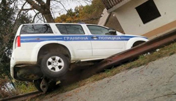 Granični policajci teško povrijeđeni prilikom slijetanja s puta