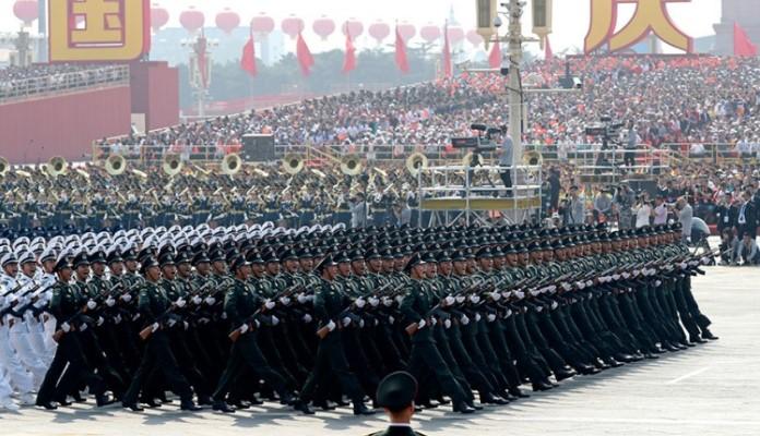 Kina vojnom paradom obilježila 70. rođendan (VIDEO)