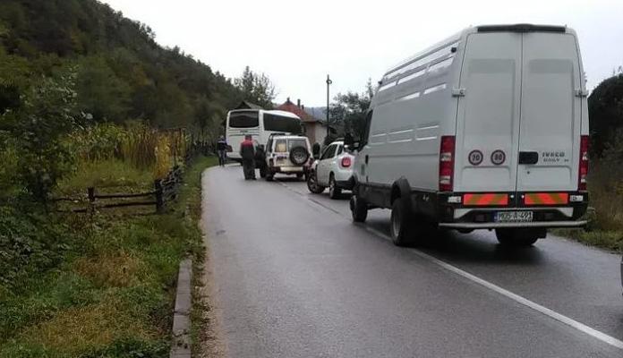 Zbog sudara tri vozila kod Nemile velike kolone na alternativnom putu