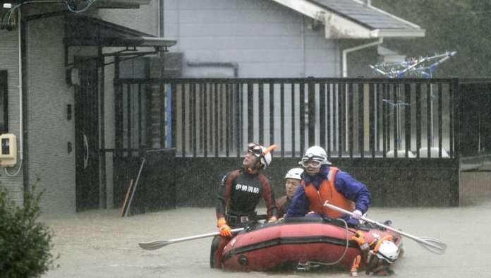 Tajfun u Japanu odnio 70 života, i dalje se traga za nestalima