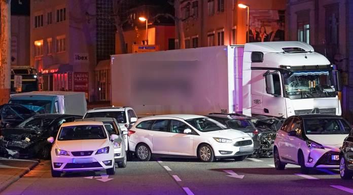 Ukrao kamion i gazio sve pred sobom, 17 osoba ozlijeđeno (VIDEO)