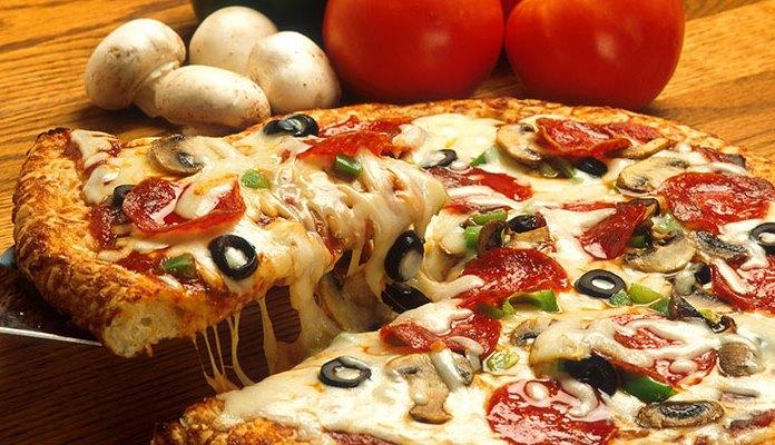 Jeste li znali da pogrešno jedete pizzu? (VIDEO)