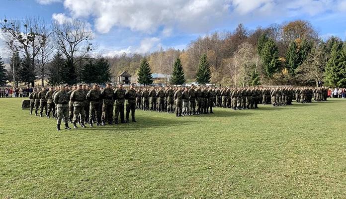 Oružane snage BiH dobile nova 204 vojnika