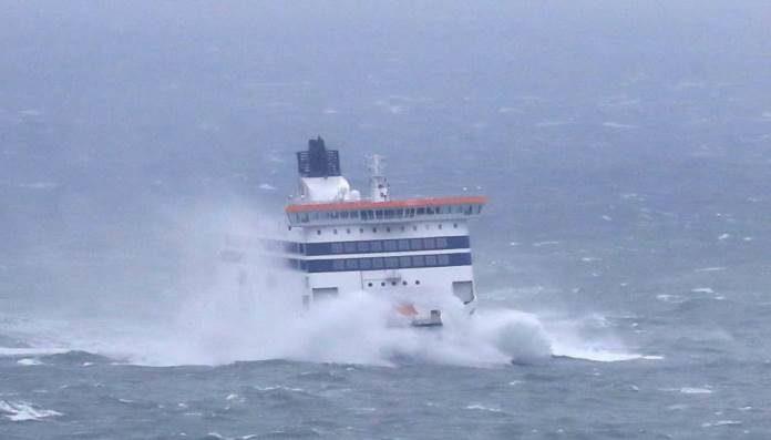 U prekidu brojne trajektne, katamaranske i brodske linije