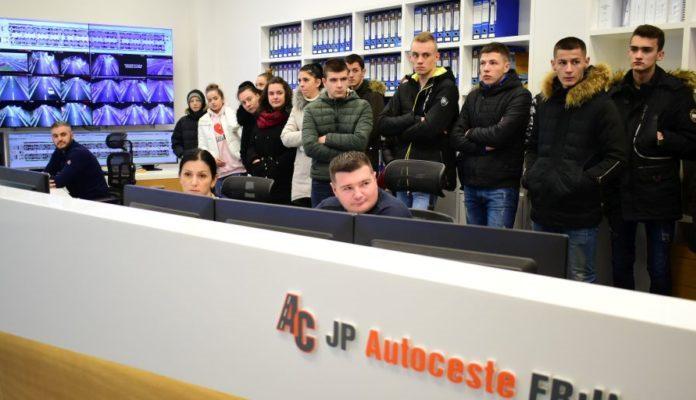 Posjeta učenika Tehničke škole iz Zenice Centru održavanja i kontrole prometa (COKP)