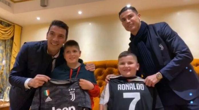Buffon i Ronaldo posjetili hrabre albanske dječake (VIDEO)