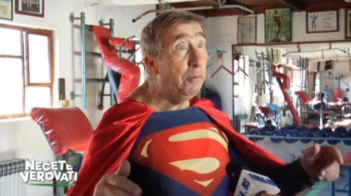 Taksista Milovan vjeruje da je Superman (VIDEO)