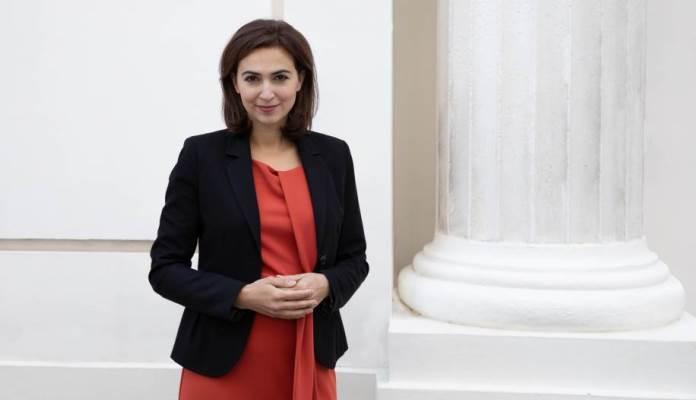 Alma Zadić dobila 25.500 uvredljivih poruka otkad je postala austrijska ministrica