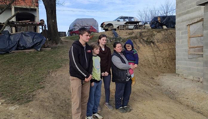 Dvanaestogodišnji heroj iz Krajine izdržava šestočlanu porodicu (VIDEO)