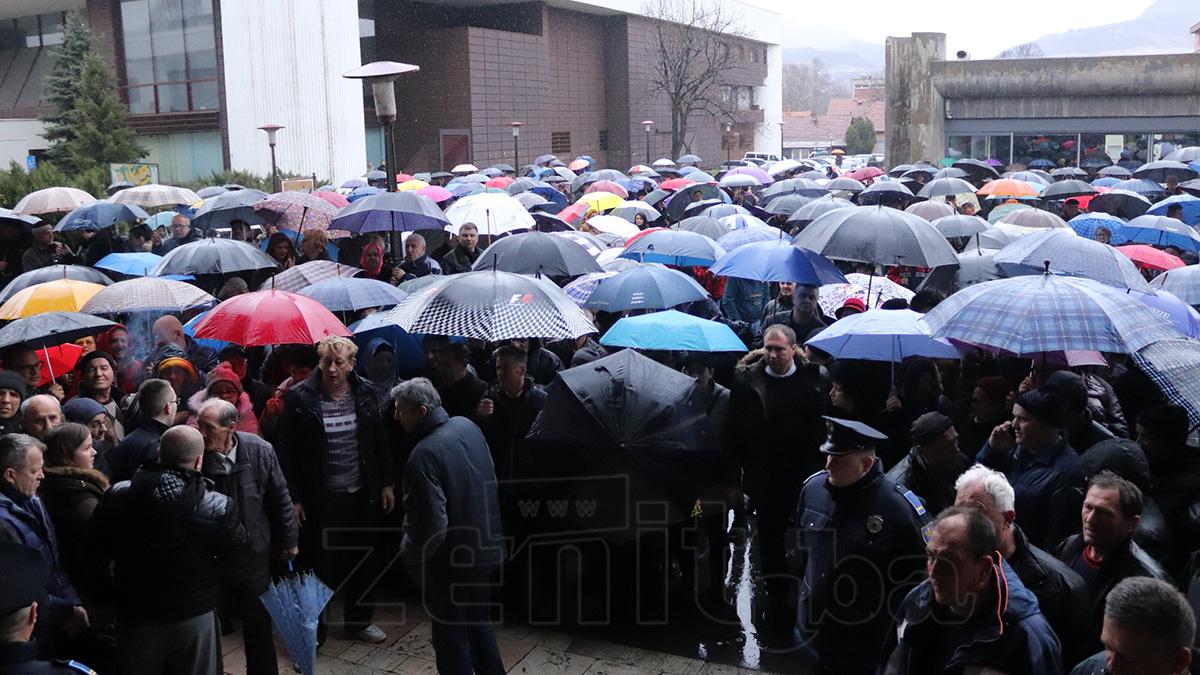 U Zenici održan skup podrške gradonačelniku Fuadu Kasumoviću (VIDEO+FOTO)