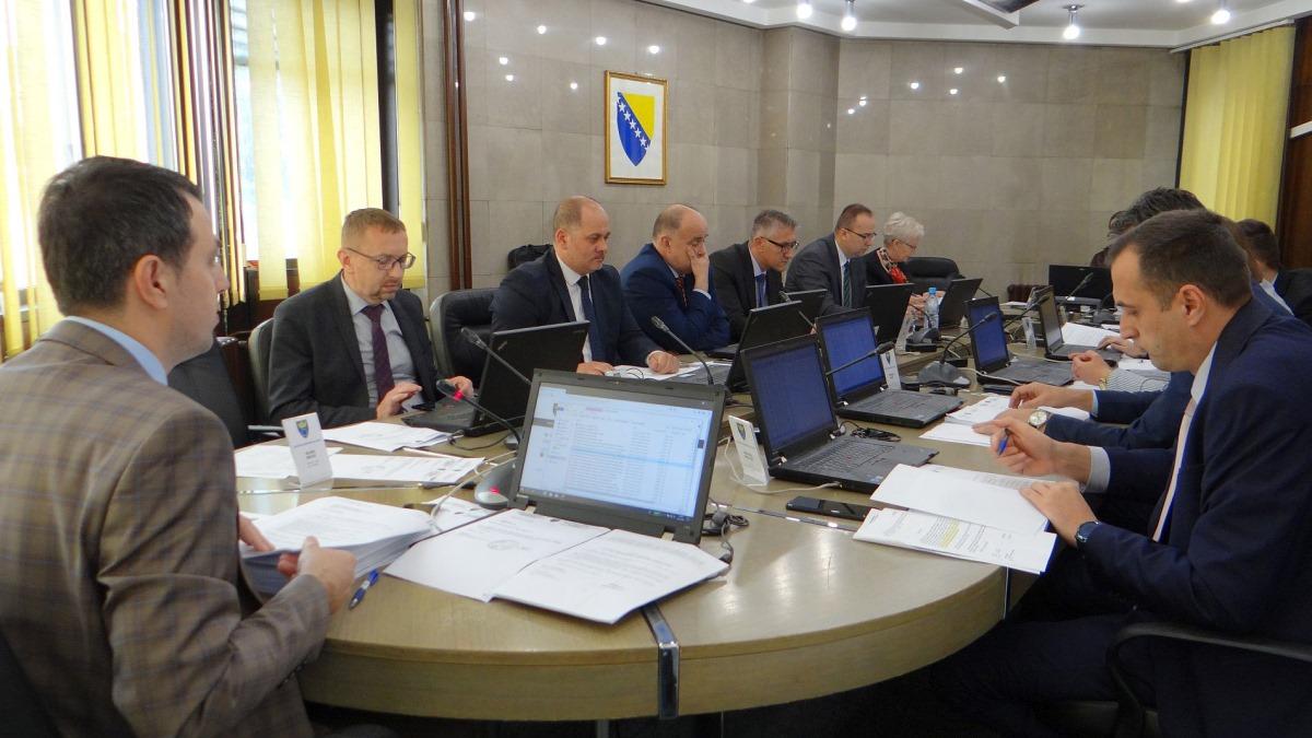Vlada ZDK odobrila sredstva za pomoć narodnim kuhinjama, isplatu jednokratne pomoći te rad Sigurne kuće u Zenici