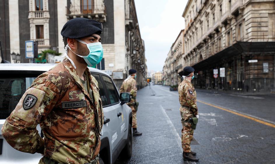 Italija zbog novog vala koronavirusa uvodi policijski sat
