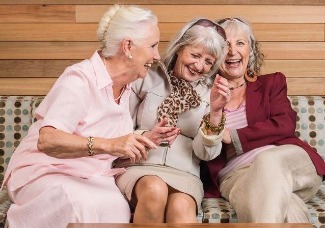 Napokon otkriveno zašto žene žive duže