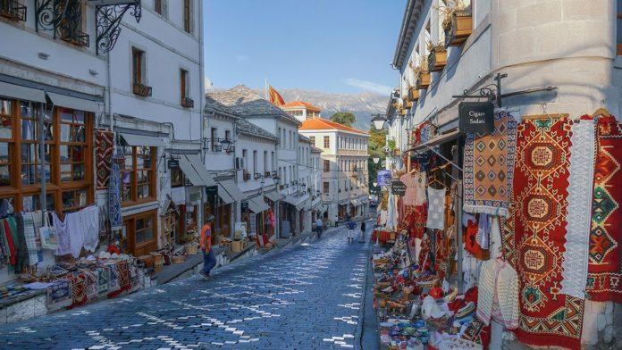 U Albaniji oko 600 djelatnosti ponovo počinje sa radom