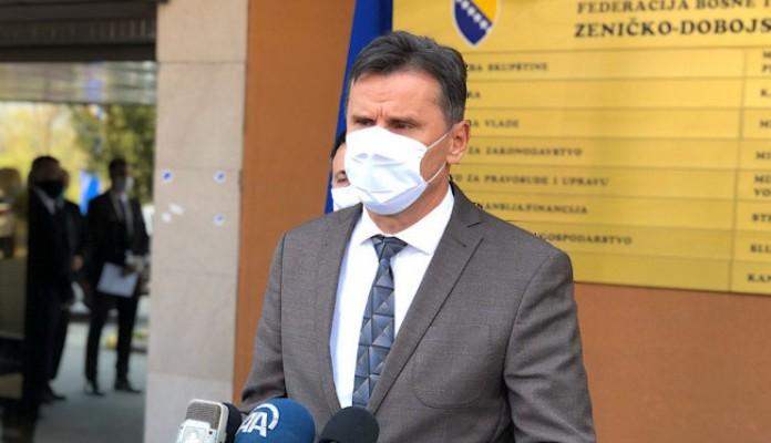 Novalić u Zenici: Građani su stekli individualnu odgovornost, restriktivnih mjera neće biti