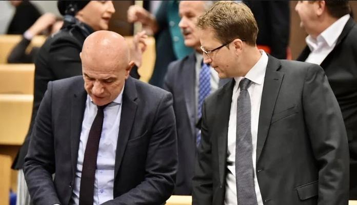 Zastupnicima u Parlamentu FBiH smanjeni mjesečni paušali i naknade za 1.000 KM