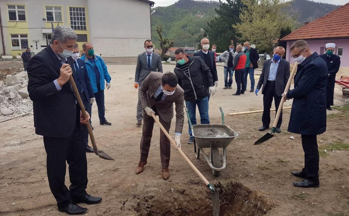 Položen kamen-temeljac za novu dvoranu u Željeznom Polju (FOTO)