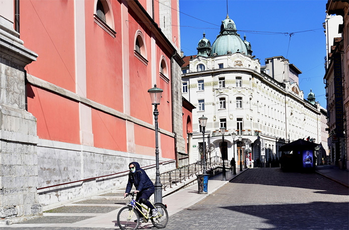 Slovenski ugostitelji traže otvaranje, planiraju tužiti vladu