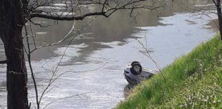 Vozilo U Rijeci Bosni
