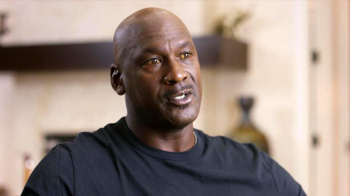 Žute oči kod Michaela Jordana zabrinule fanove, pokrenute brojne polemike