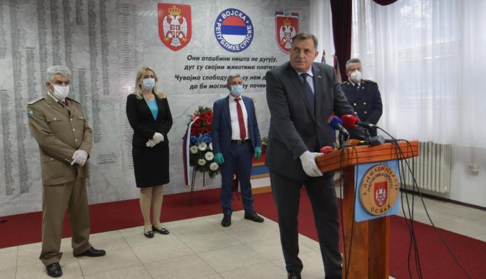 Dodik: Ukidanje Vojske RS bila je greška, srpski narod će nastaviti slaviti Dan osnivanja