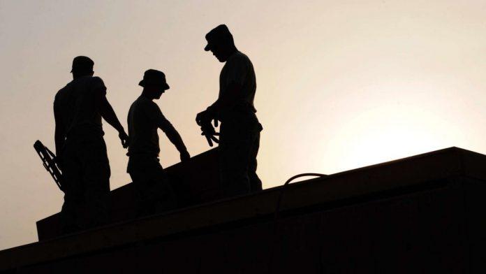 U FBiH zaposlena 520.882 radnika, za 13.275 više nego u maju