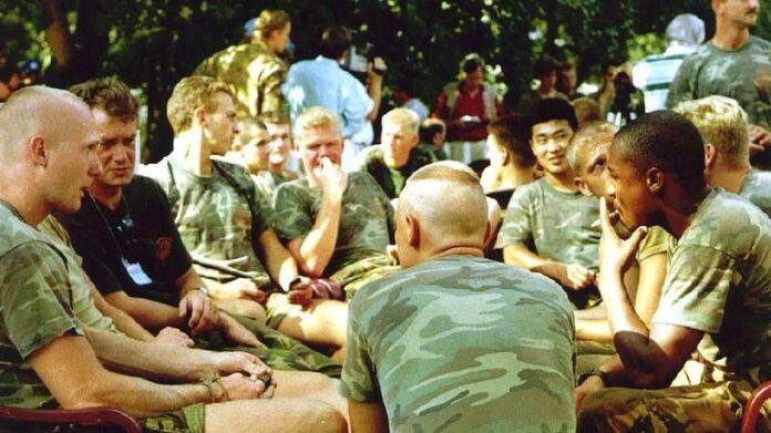 Holandski vojnici imali naredbu držati distancu od Srebreničana