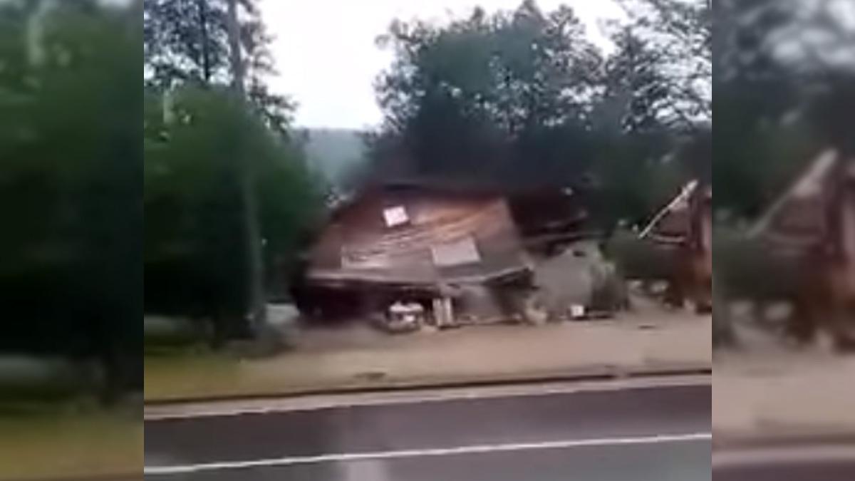 Vodena bujica odnijela kuću u Živinicama (VIDEO)