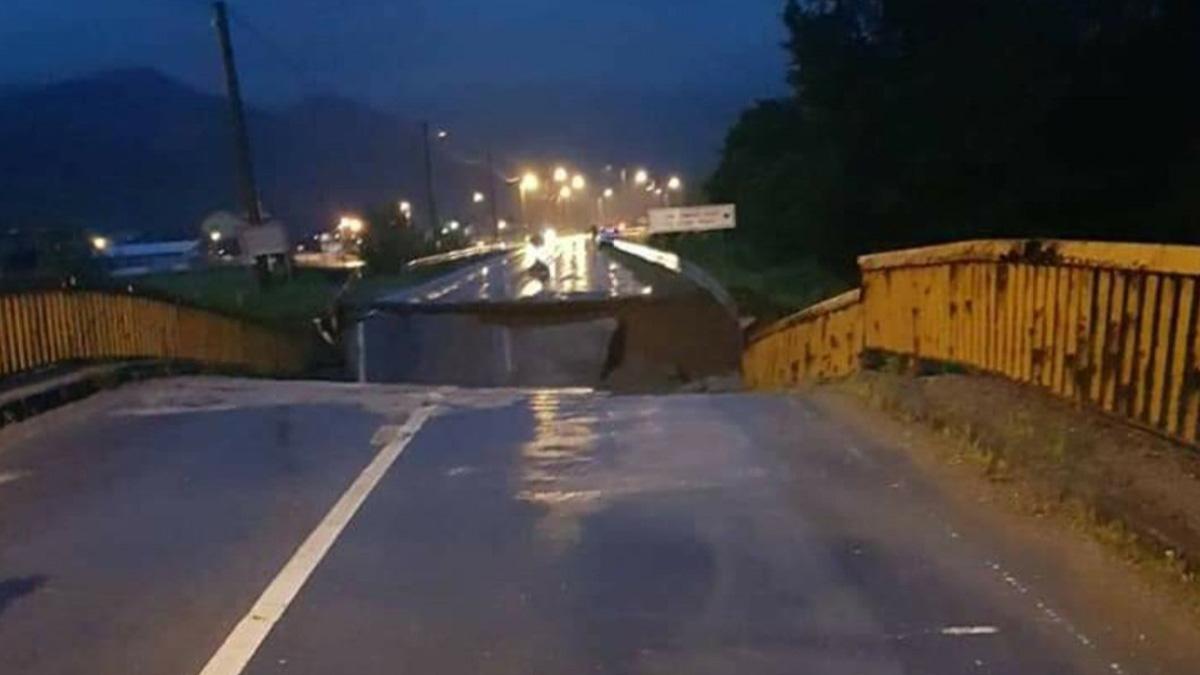 Poplave u Srbiji: Evakuisano više stotina ljudi, vanredna situacija u 14 opština (VIDEO)