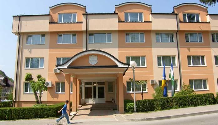 Policija blokirala zgradu Općine Velika Kladuša, pod istragom i Fikret Abdić sa saradnicima