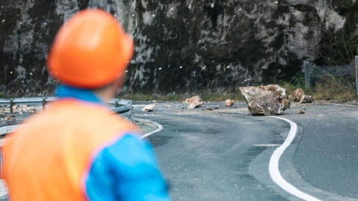 Putevi u BiH mokri i klizavi, mogući odroni zemlje i kamenja