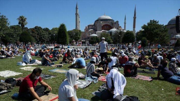 Turska osudila grčku reakciju na prvi namaz u Aja Sofiji