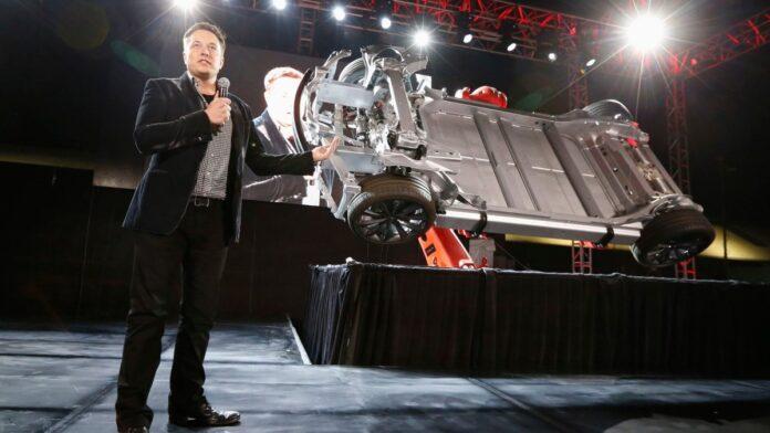 Musk: Tesla vrlo blizu proizvodnje vozila bez vozača