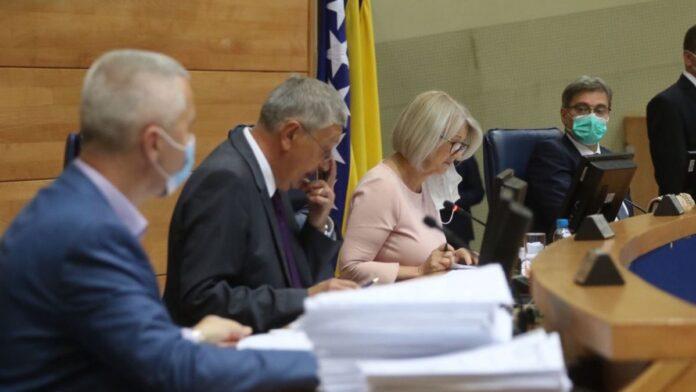 HDZ i SNSD oborili usvajanje državnog budžeta