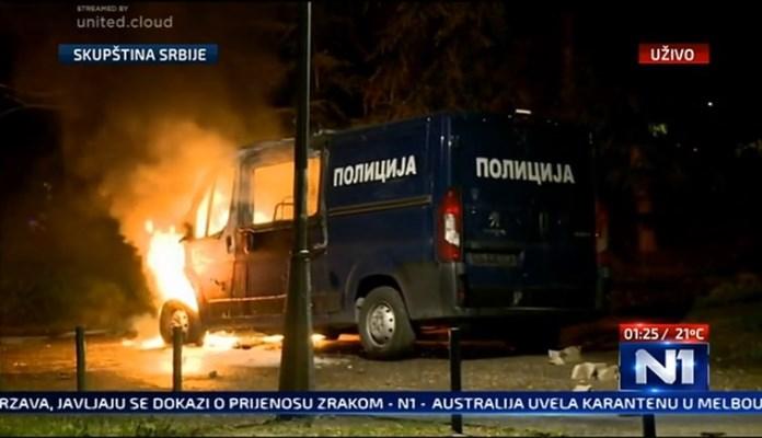Dok je u Beogradu gorjelo, RTS prikazivao Jackieja Chana