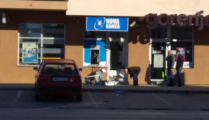 Raznijeli bankomat na Palama i odnijeli novac